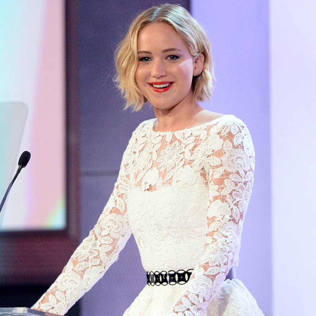 Jennifer-Lawrence-Wears-Oscar-de-la-Renta-Spring-2015-First